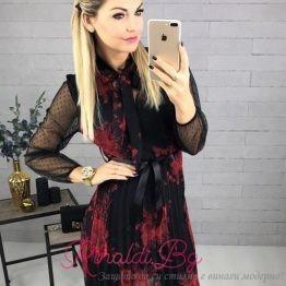 Дамска рокля с цветя и дантелени ръкави Феличита