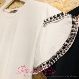 Дамска тениска с капси по ръкавите