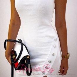 Къса дамска рокля с цепка и копчета