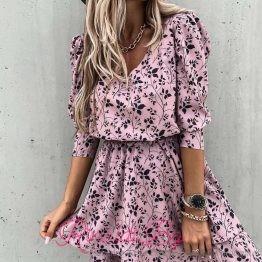 Дамска розова рокля с цветя