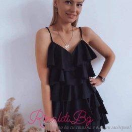 Дамска рокля с набрани елементи